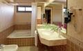 Hotel SB Express Tarragona | Bathroom
